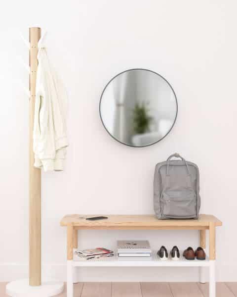umbra ronde spiegel met opbergplankje zwart