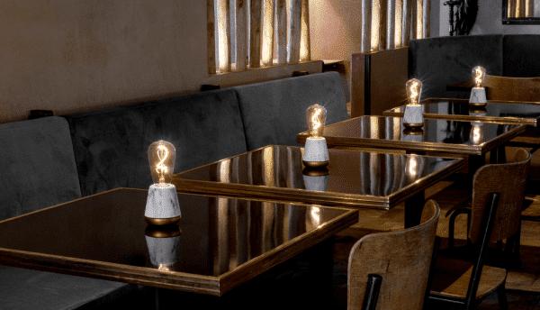 Humble oplaadbare tafellamp restaurant