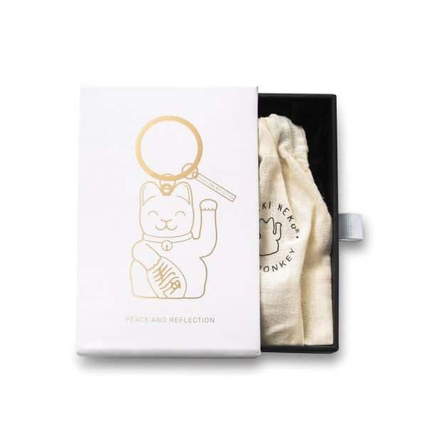 luckycat sleutelhanger in kado verpakking